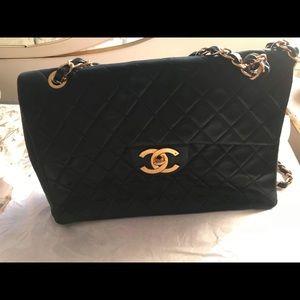 Chanel Black Vintage Patent Jumbo Classic Maxi